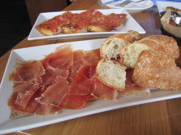 Pan con Tomate &  Jamon Serrano