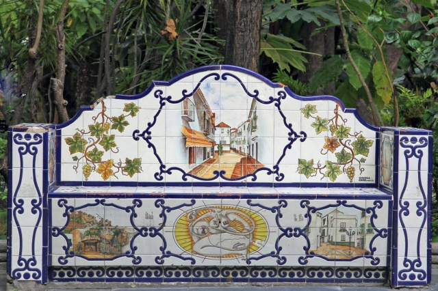 Tiled bench at Parque de la Alameda
