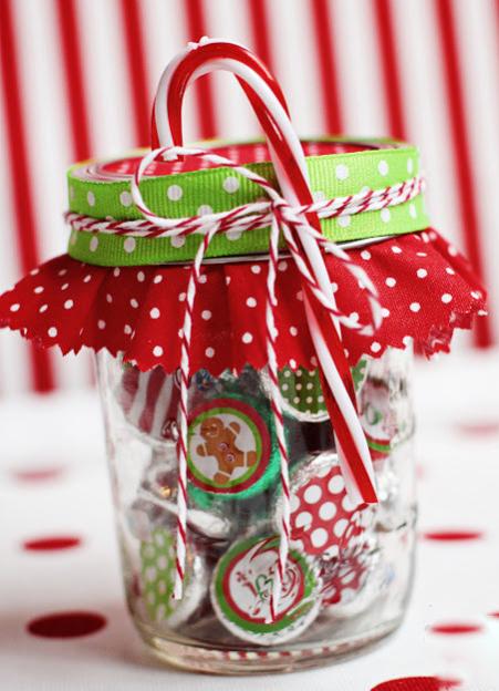 Chocolate Kisses Mason Jar, click here.