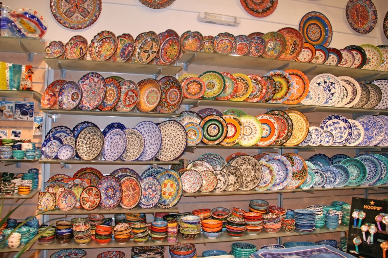 The colorful ceramics sold on the island, hard to choose...