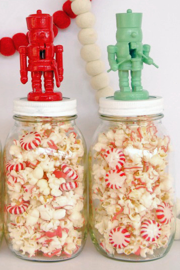 Nutcraker topped Popcorn & Peppermint Mason Jars, click here.