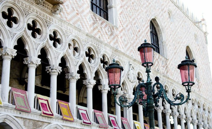 The beautiful Doge's Palace and the pink lamps...