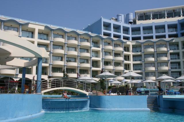The Atrium Platinum Hotel