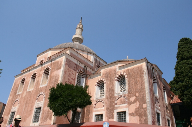 The beautiful Suleiman Mosque, located on top of the town's hill at the end of Socratous street.
